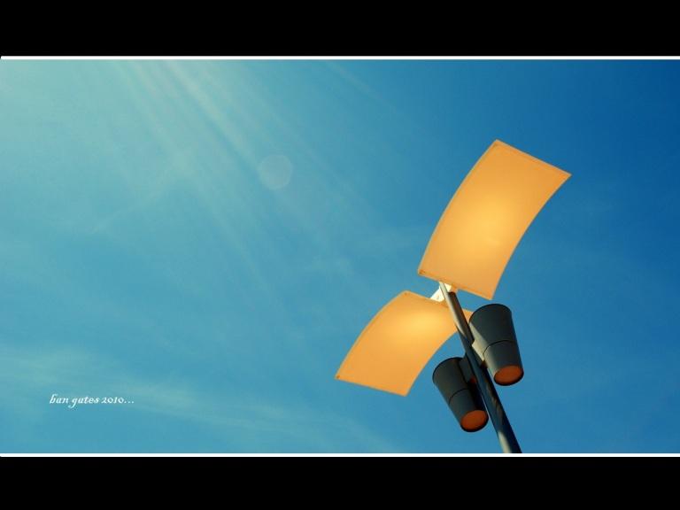 cột và trời [1600x1200].jpg